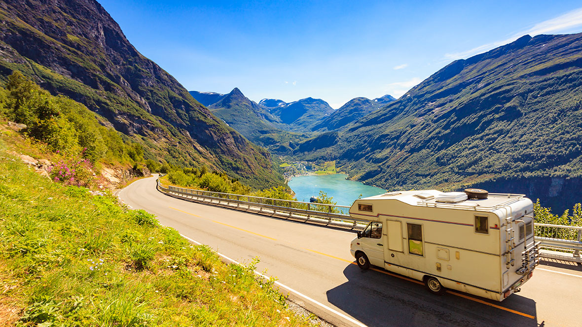 Camper_Reisen_ anetlanda-AdobeStock