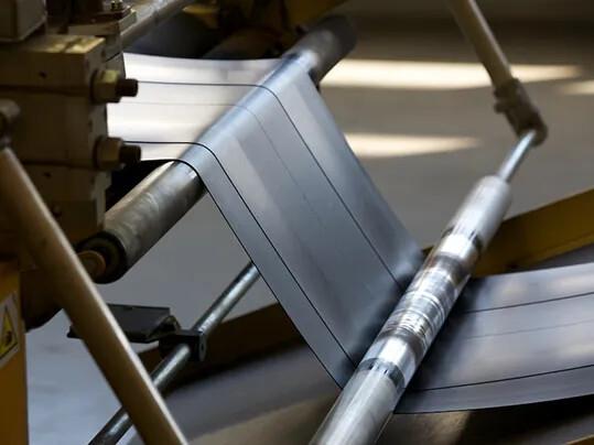 Rubber felt cutting - Reifenindustrie