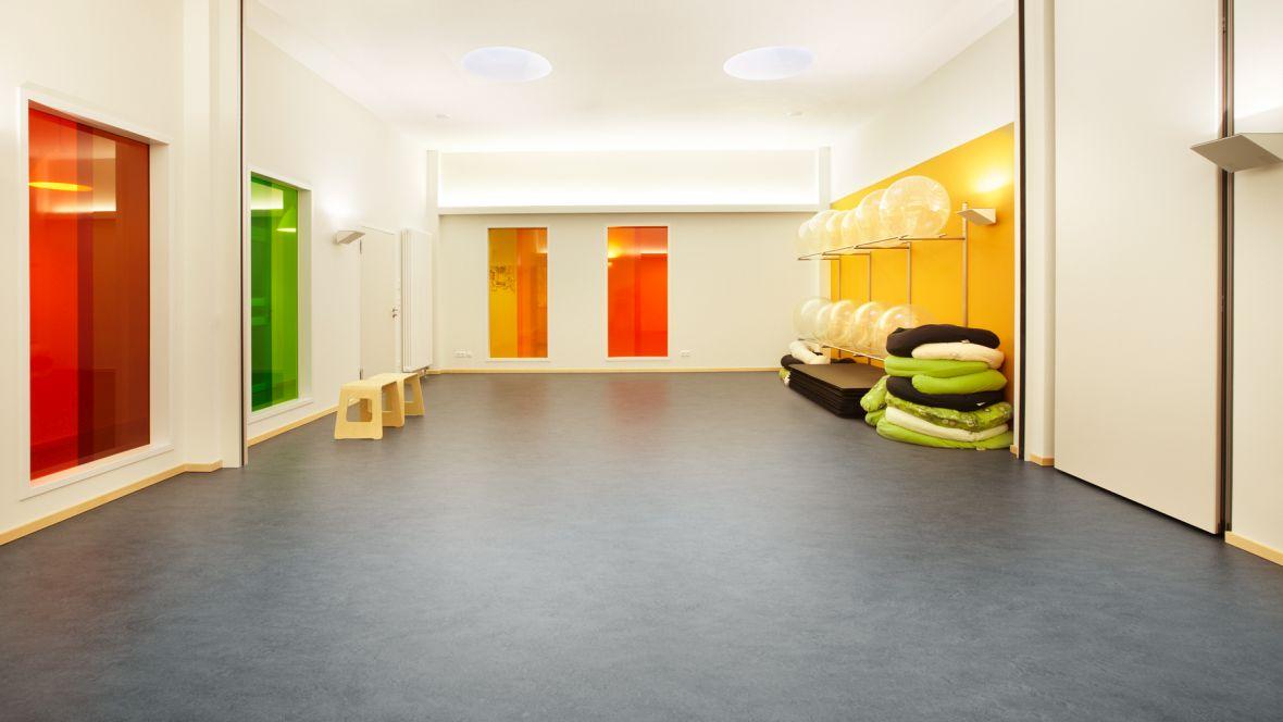 Geburtshaus Paderborn Gymnastikraum – Forbo Marmoleum Fresco