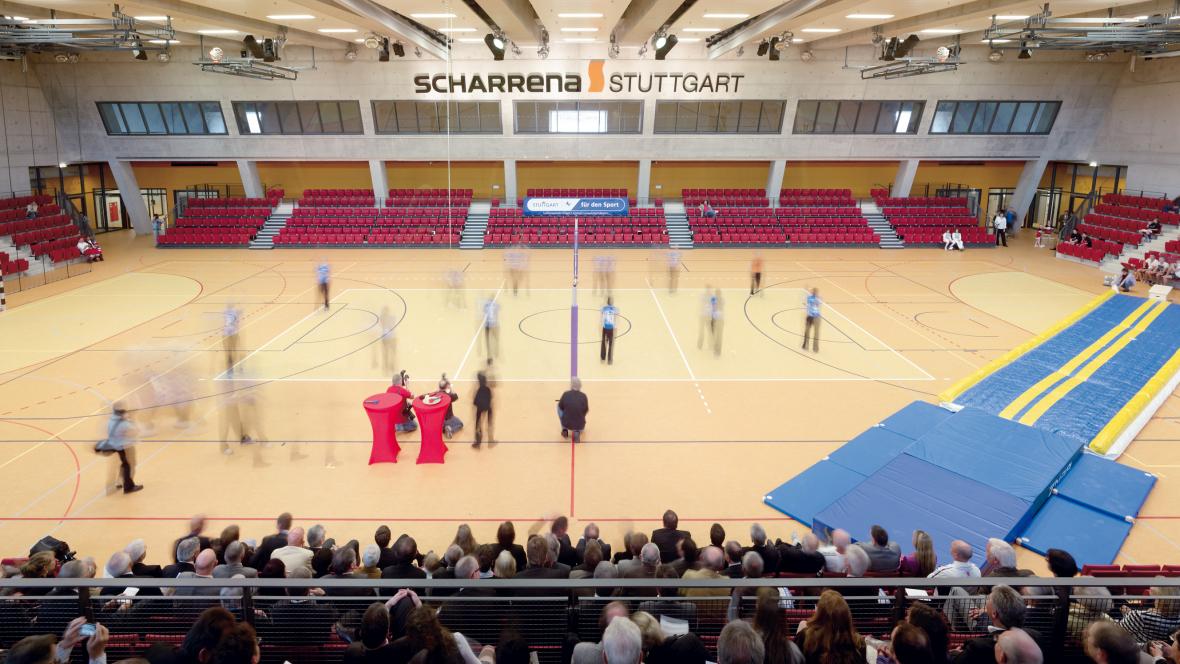 SCHARRena Stuttgart Veranstaltung mit Personen in Mehrzweckhalle - Forbo Marmoleum Sport