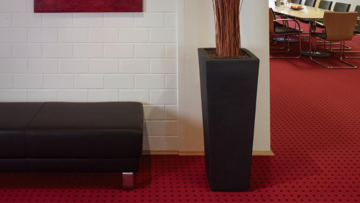 WIBU Süd-West GmbH Bodenhohe Vase – Forbo Flotex