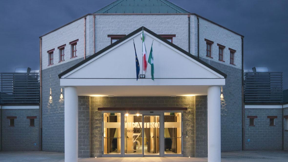 """""""Mondo3"""" Theater in Moglia Italy"""