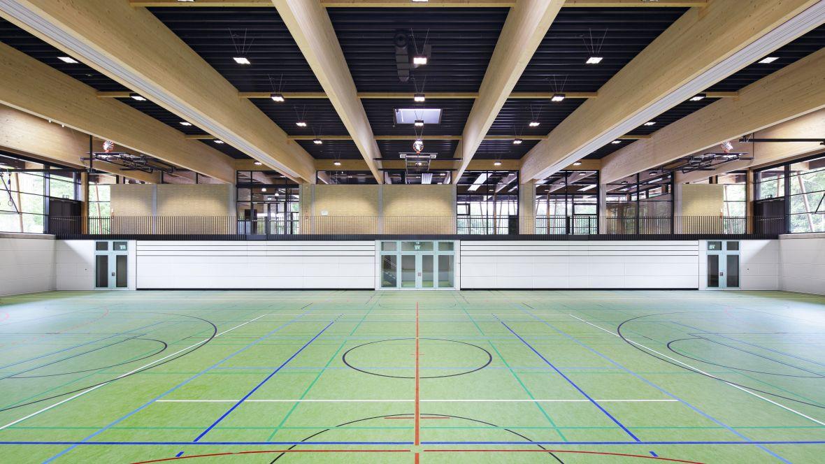Dreifachsporthalle-Seeheim mit Sportlinoleum