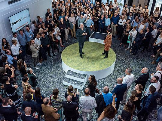 Flotex - der leistungsstarke Textilboden: Flotex by Philippe Starck auf der Pressekonferenz in Paris