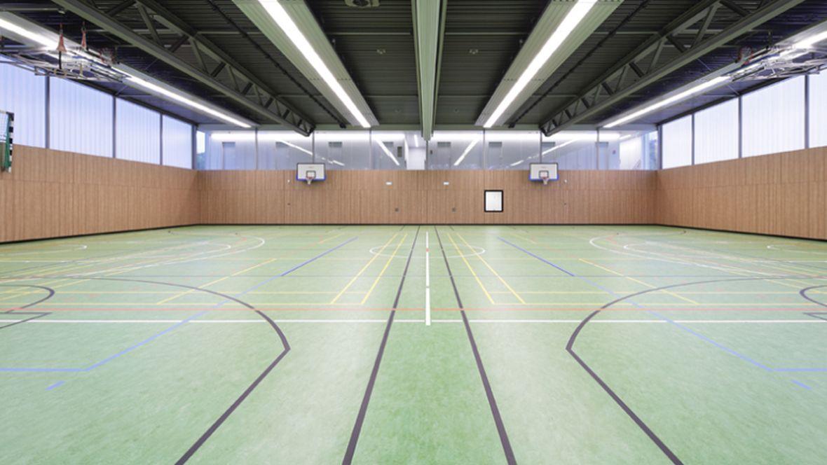 Zweifachsporthalle Ubbedissen Spielfeld- Forbo Marmoleum Sport