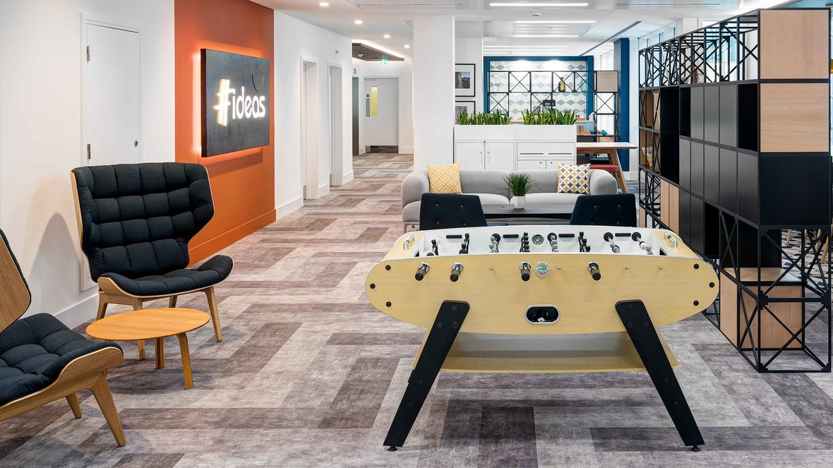 Flotex flocked flooring planks - Urbanest Office