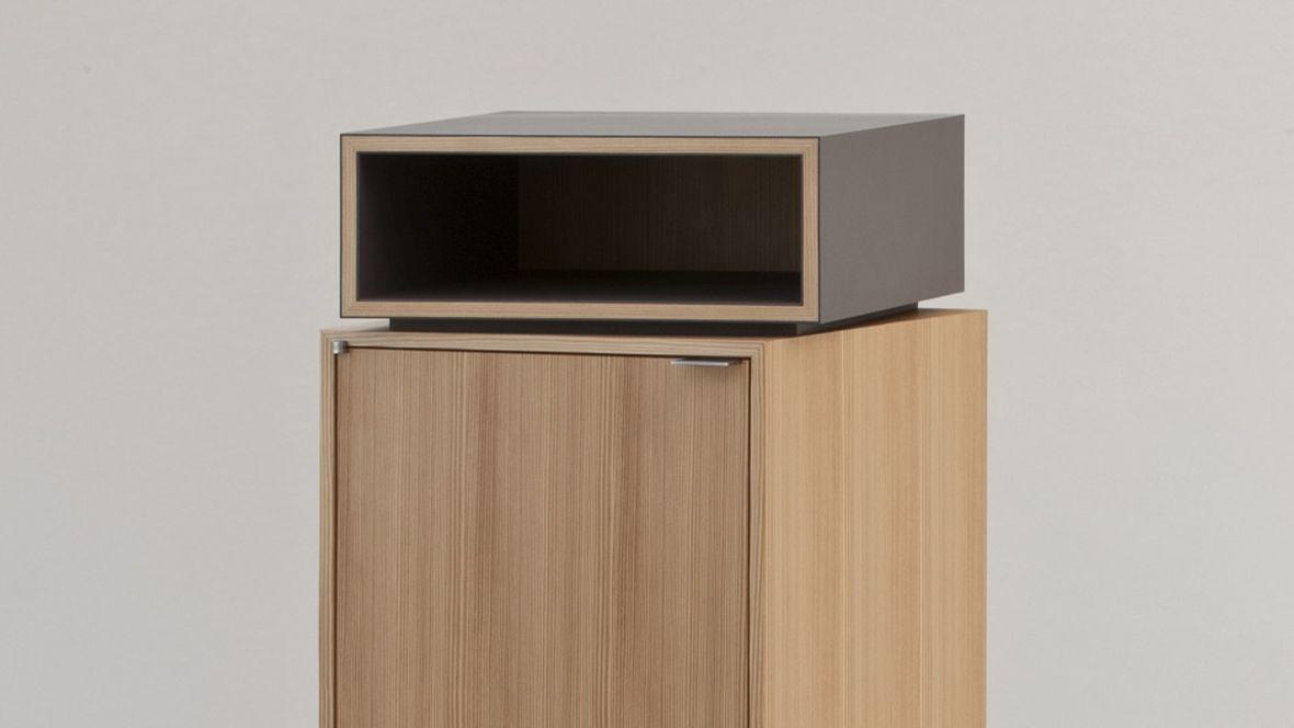 Meisterstück Dielenmöbelstück Meisterschule Garmisch-Partenkirchen Geschlossener Schrank - Forbo Furniture Linoleum