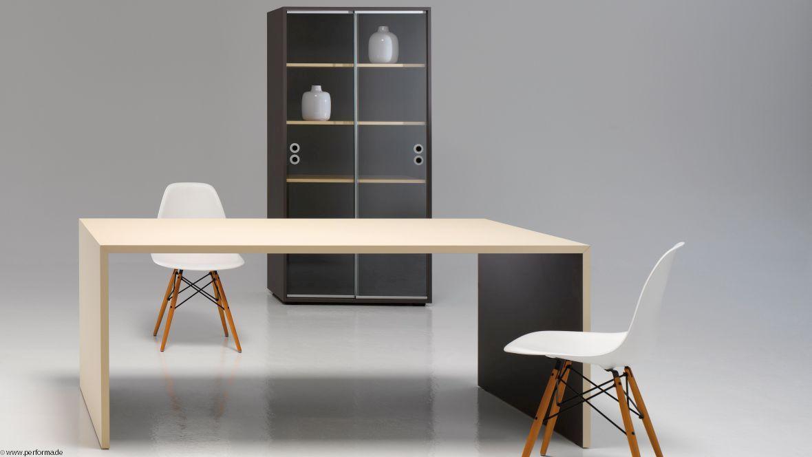 Möbelkollektion Performa Tisch Stühle und Büroschrank – Forbo Furniture Linoleum