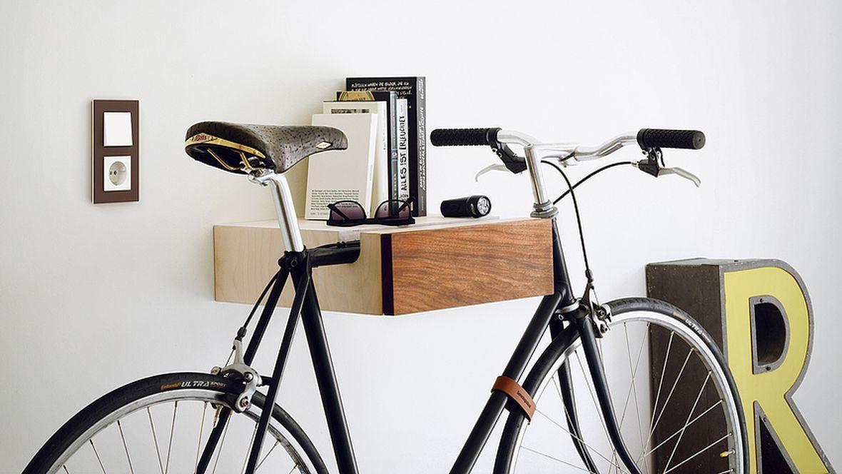 """Gira Schalterserie """"Esprit"""" Regalbrett mit Fahrradaufhängung – Furniture Linoleum"""
