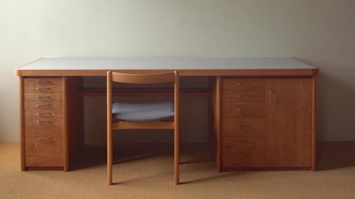 Work desk by nomade design