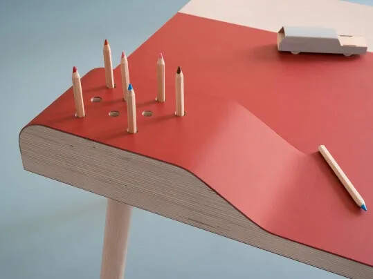 Furniture Linoleum 4164-4185 kids table detail pencils