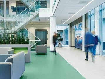 Revêtements de sol PVC homogène Sphera logement social | Forbo Flooring Systems