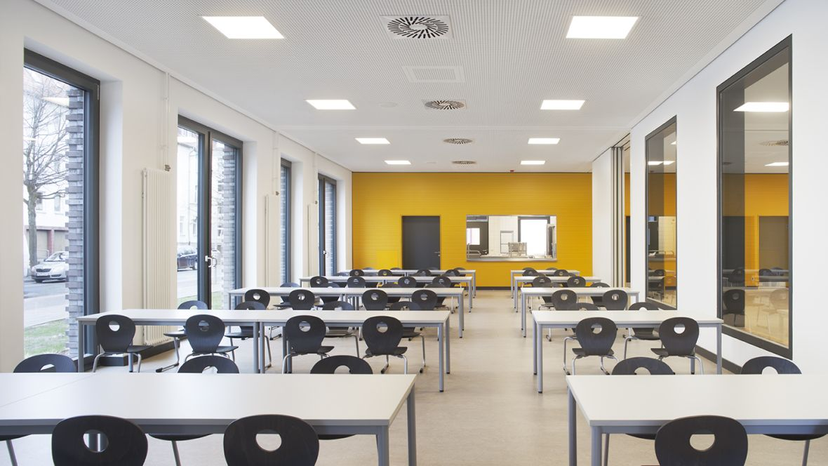 Forbo_Grundschule-Fichteschule_Hannover_1180x664 (2)