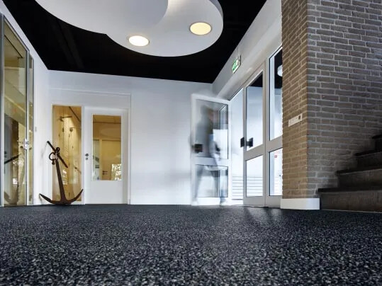 Entrance flooring - Coral - Stop up to 95% walked in dirt and moisture