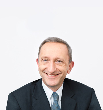 Portrait photograph of Dr. Peter Altorfer, Deputy Chairman at Forbo