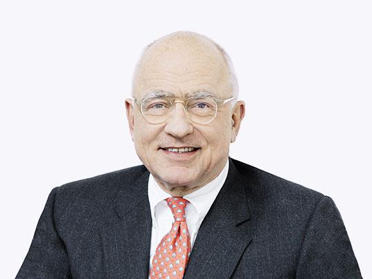 Porträtaufnahme von Michael Pieper, Vizepräsident bei Forbo