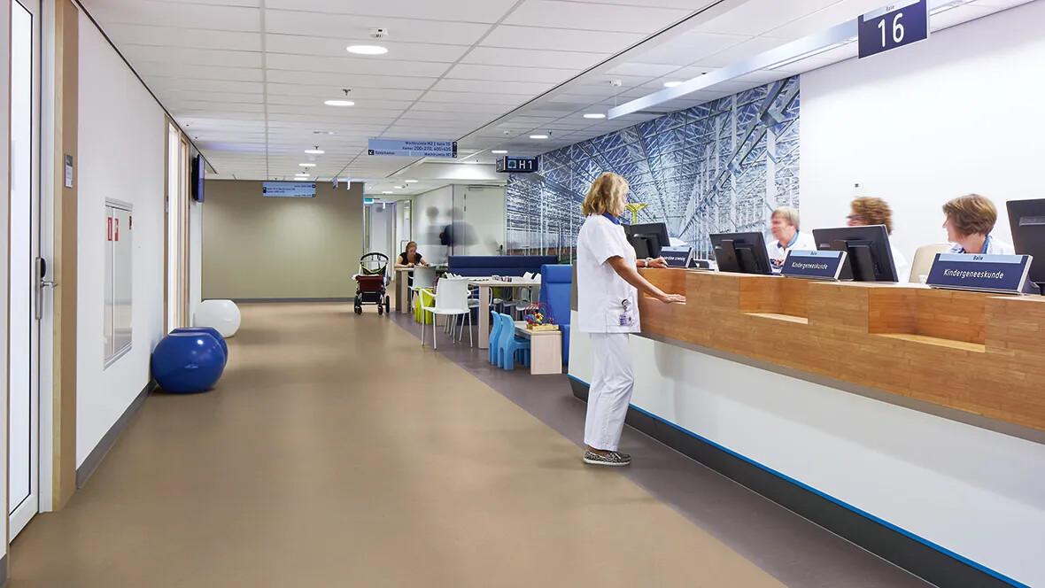 Marmoleum Concrete 3727-3730 reception hospital b