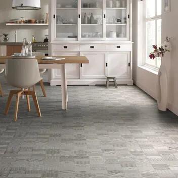 Revêtement de sol PVC acoustique en pose non collée, décor mosaico, Forbo Flooring Systems