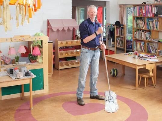Comment nettoyer un sol linoléum ? | Revêtement de sol Forbo Flooring Systems