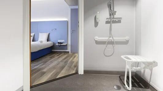 Revêtement de sol PVC antidérapant salle de bain | Forbo Flooring Systems