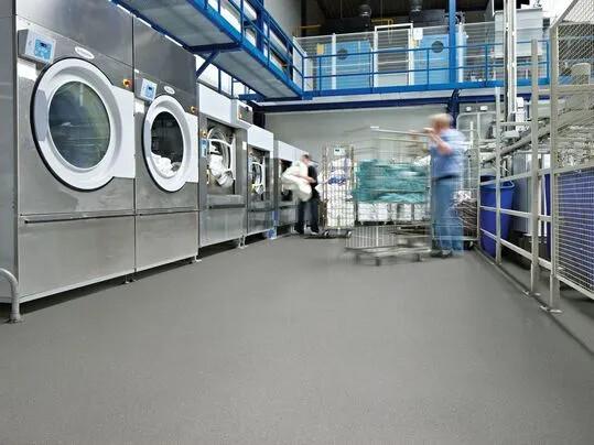 Revêtement de sol PVC antidérapant Surestep | Forbo Flooring Systems