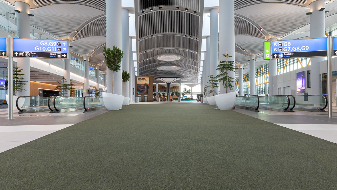 Bodenbelag in Flughafenhalle