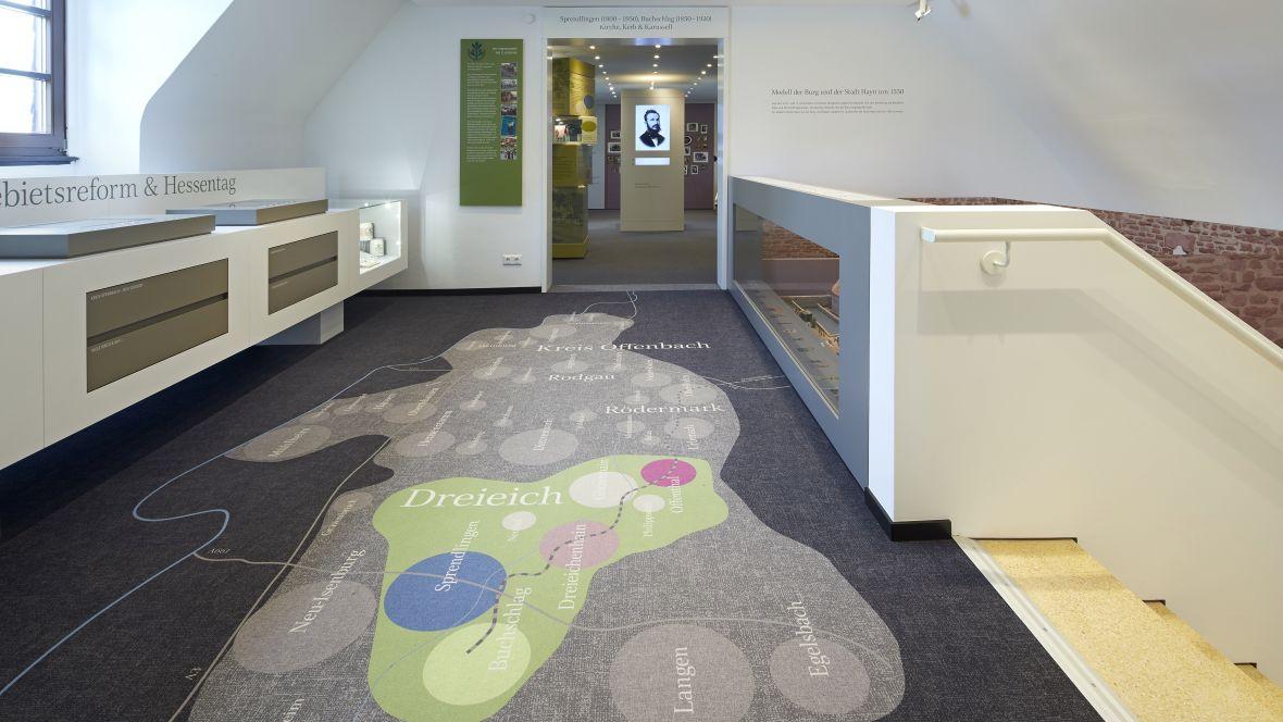 Heimatmuseum Dreieich Landschaftskarte im Fußboden – Forbo Flotex Metro