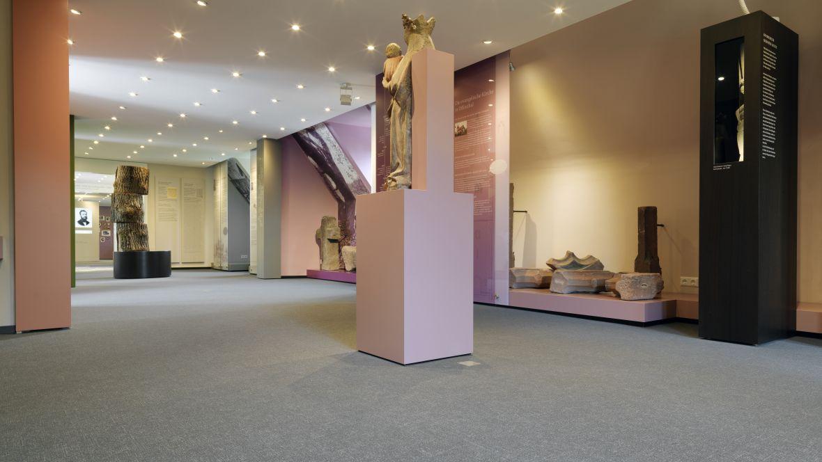 Heimatmuseum Dreieich Exponat von Figur – Forbo Flotex Metro