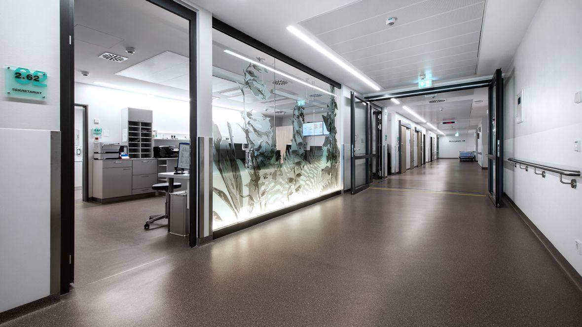 Herzzentrum Bad Krozingen Freiburg Arbeitsplatz Stationsschwester – Forbo Colorex