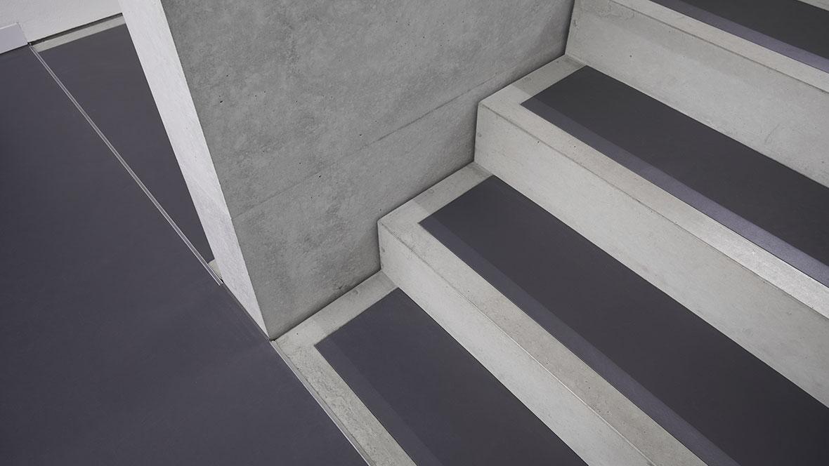 Bauhaus Museum Weimar Treppenhaus- Forbo Marmoleum Walton