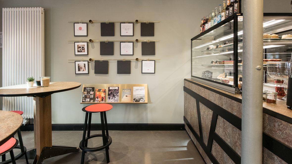 Rösttrommel Café Erlangen Informationstafeln im Café – Forbo Marmoleum Vivace