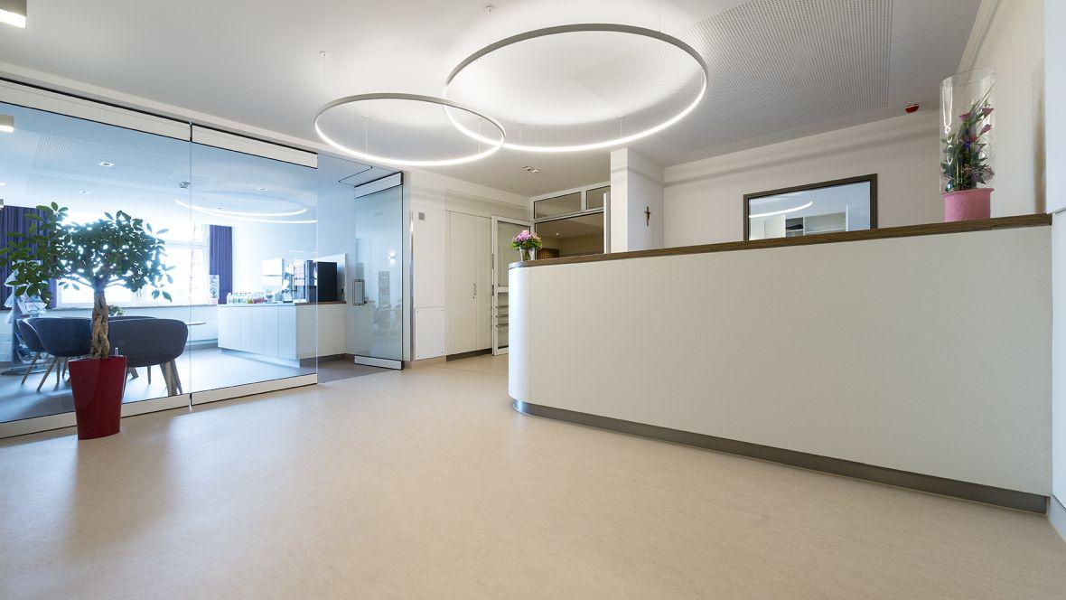 Forbo_St.Bernward-Krankenhaus_Hildesheim_Fotograf_Ralf-Mohr_Hannover_1180x664_(006).jpg