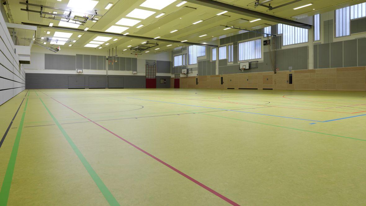 Sporthalle Geseke Nahaufnahme Hallenboden – Forbo Marmoleum Sport