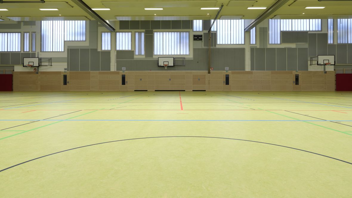 Sporthalle Geseke Grüner Hallenboden – Forbo Marmoleum Sport