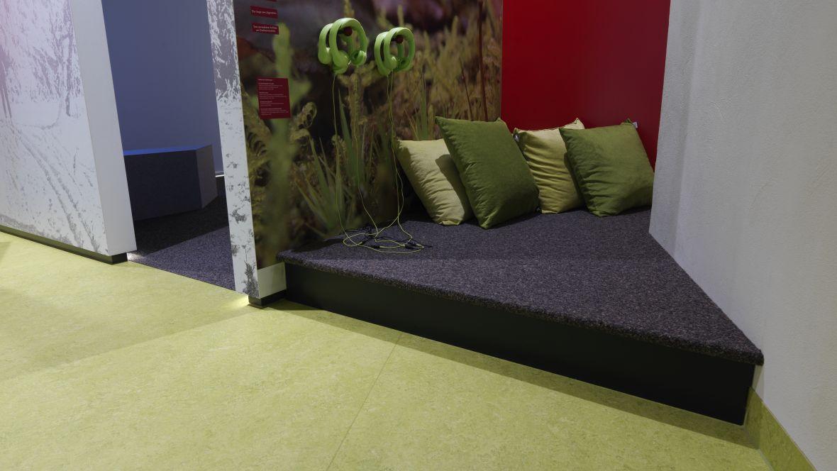 UNESCO-Biosphärenreservat Thüringer Wald Textilboden mit Kissen – Forbo Nadelvlies Akzent