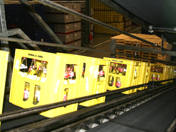 Logistics: Forbo Siegling Transtex toothed belts as the connecting element in the conveying process.