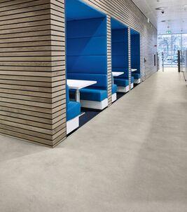 Entretenir un revêtement de sol LVT en lames et dalles | Forbo Flooring Systems