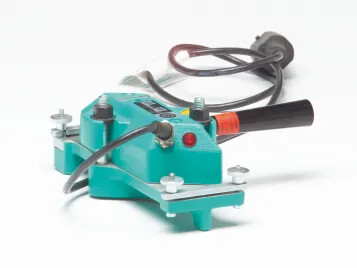 Heating press for bonded splices