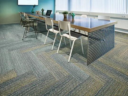 Revêtement de sol pour bureaux dalle moquette | Forbo Flooring Systems