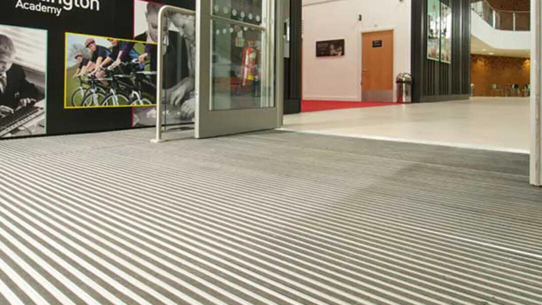 Revêtement de sol | Nuway tapis de propreté | Forbo Flooring Systems