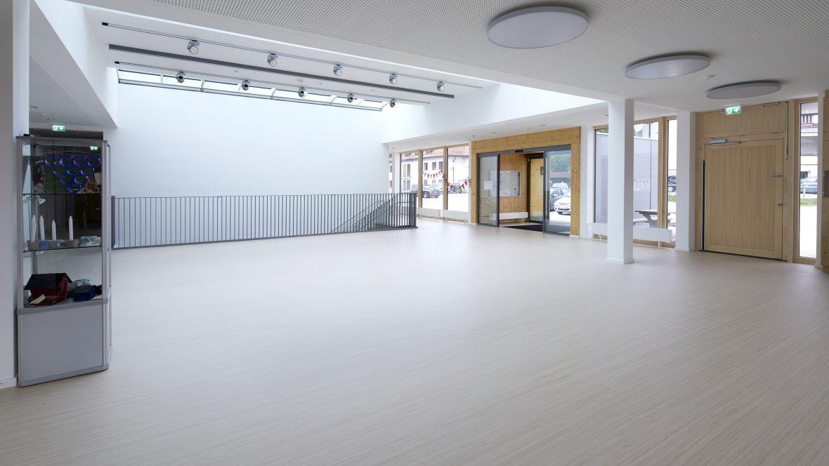 Von-Rothmund-Schule Bad Tölz Eingangsbereich – Forbo Striato Original