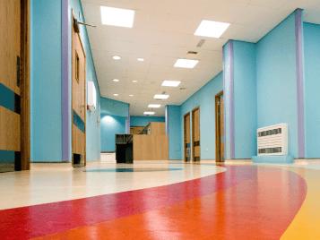 Warringtons sjukhus med linoleumgolv