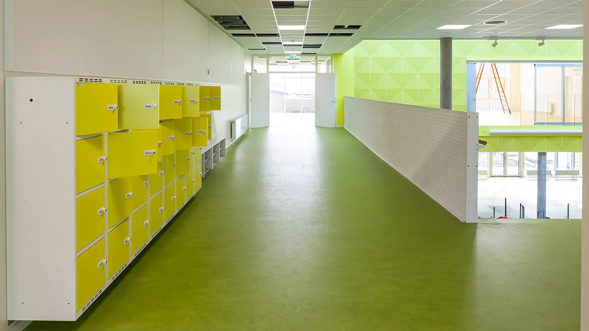 Dalby Skole Marbled 3247 corridor