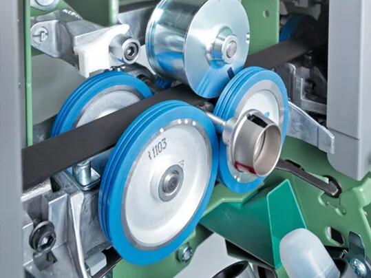 Yarn OE rotor spinning machine