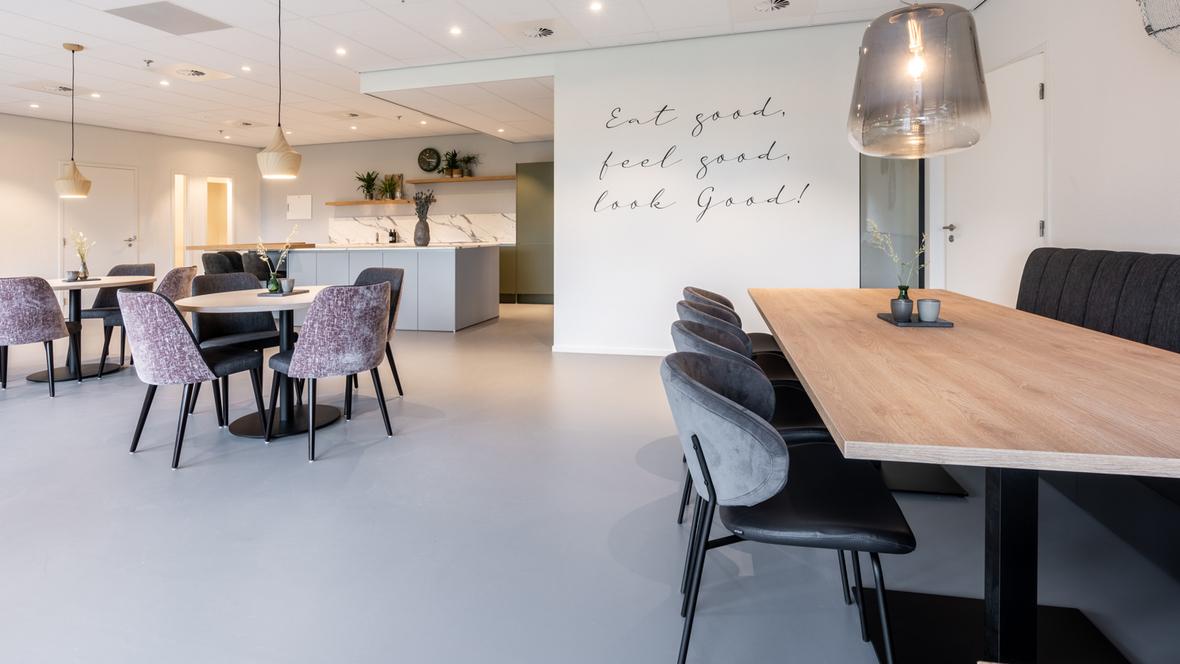 Grey Marmoleum in company restaurant HVEG Fashion Group