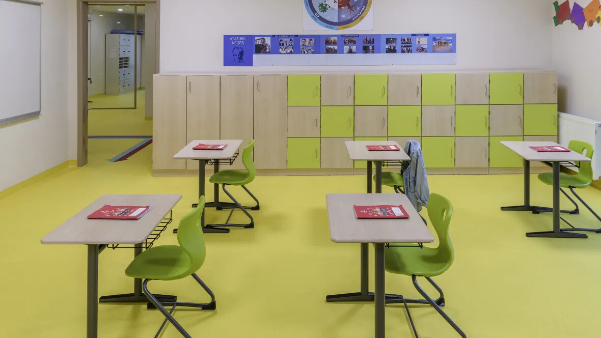 Bahçeşehir College Sphera Element Yellow Green | Forbo Flooring Systems