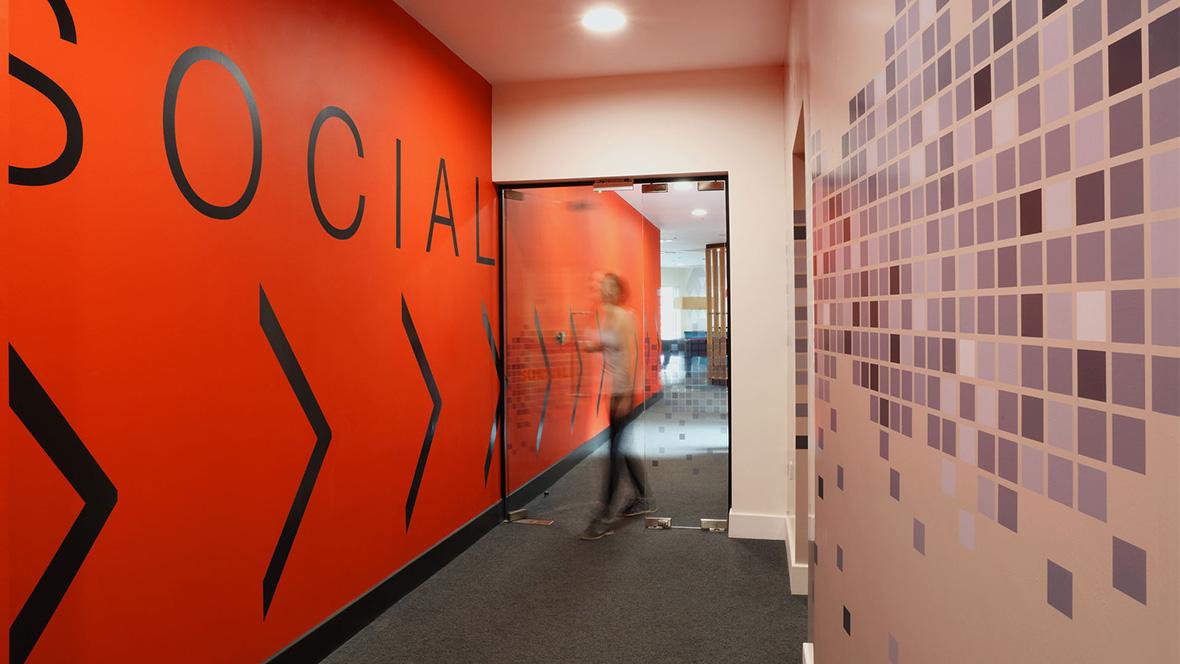 Revêtement de sol, couloirs habitat logement sociaux | Forbo Flooring Systems