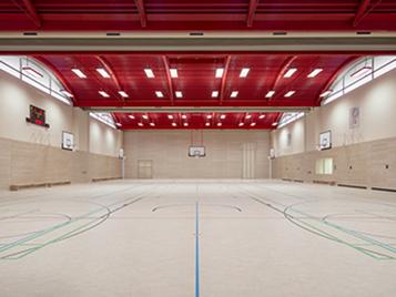 Forbo_Hans-und-Hilde-Coppi-Gymnasium_Sporthalle mit Linoleum Sport