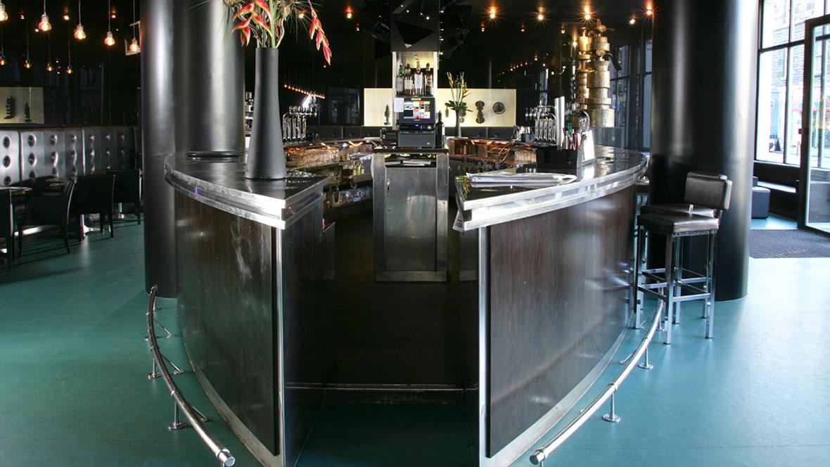 The Point Hotel, Monboddo Bar