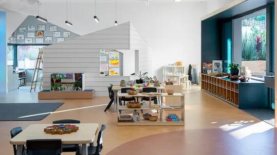 John-Paul-College-Kindergarten---Marmoleum-2707,-2767,-3174---Credit-Mini-Cooke-